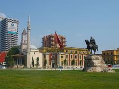 tirana albanija selidbe
